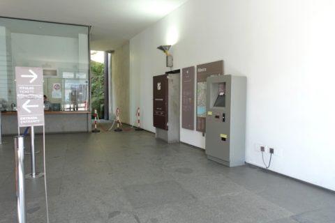Porto-Funicular-窓口と券売機
