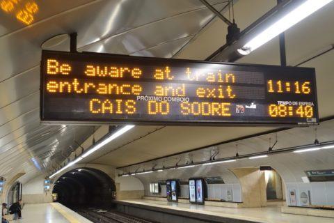 lisbon-metro/電光掲示板