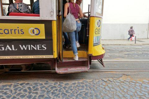 lisbon-tram/前乗り