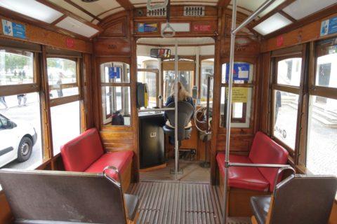 lisbon-tram/優先席