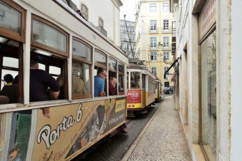 lisbon-tram/トラムが連続で来る