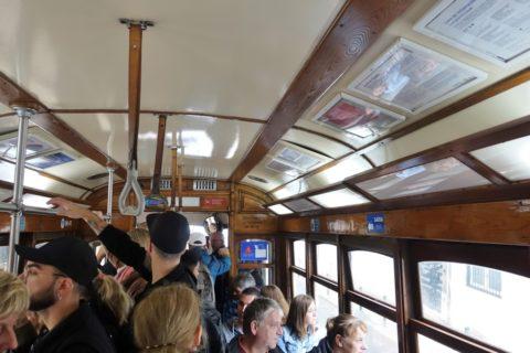 lisbon-tram/混雑