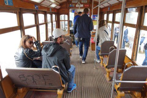 lisbon-tram/車内