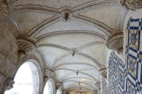 museu-nacional-do-azulejo/回廊の天井