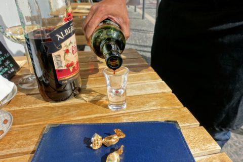O-Tainadas-Restaurante/ワインのサービス
