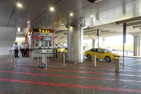 budapest-airport-access/タクシー乗り場