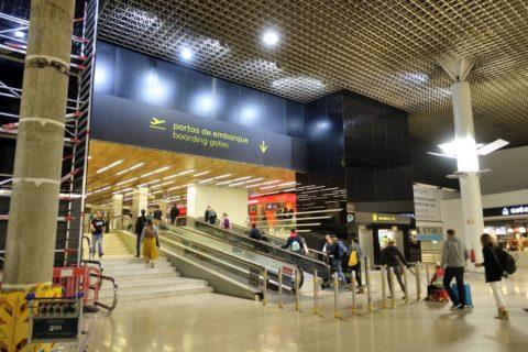 lisbon-airport/出発口