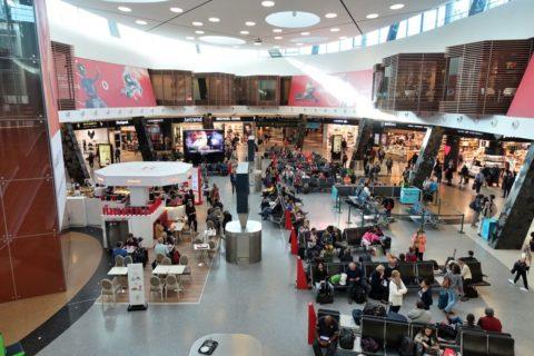lisbon-airport/待合所