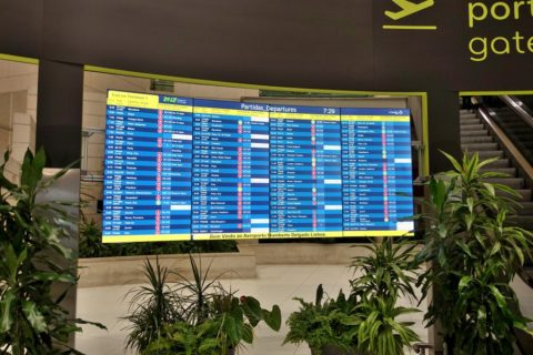 lisbon-airport/電光掲示板