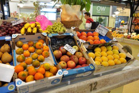 mercado-de-campo-de-ourique/リンゴの値段