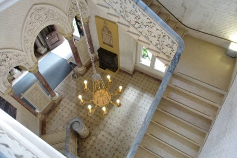 palacio-de-monserrate/2階への階段