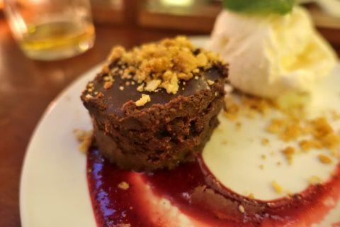 povo-lisboa/チョコレートケーキ