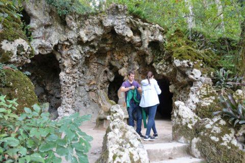 quinta-da-regaleira/洞窟の入口