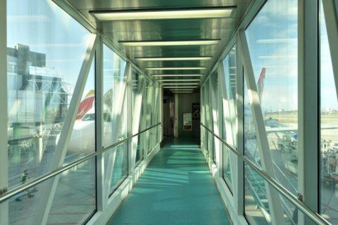 リスボン空港ボーディングブリッジ