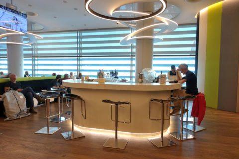 tap-premium-lounge-lisbon/Barカウンター