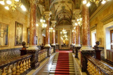 Hungarian-State-Opera/ホワイエの階段