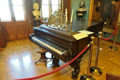 チケリングのピアノ