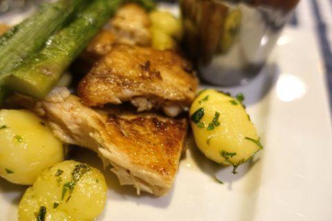 belvarosi-lugas-vendeglo/白身魚