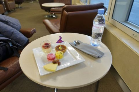 American-Airlines-International-FirstClass-Lounge-London/試食