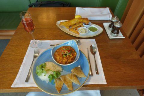 heathrow-airport-t3/キャセイファーストラウンジのレストラン