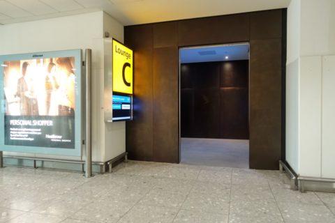 heathrow-airport-t3/キャセイラウンジ入口