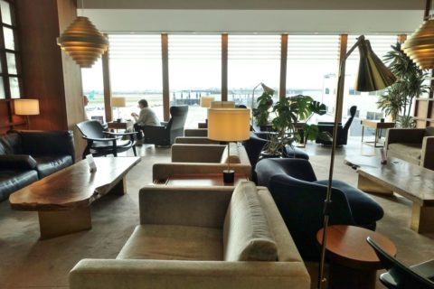 london-cathay-pacific-firstclass-lounge/ソファー