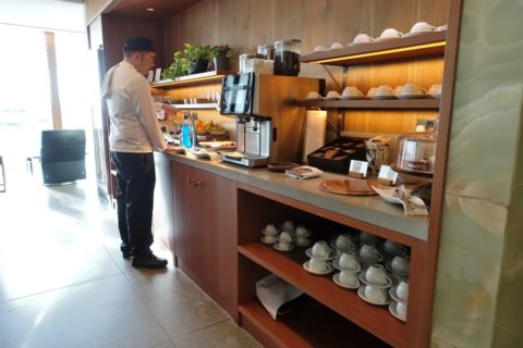 london-cathay-pacific-firstclass-lounge/軽食ビュッフェ