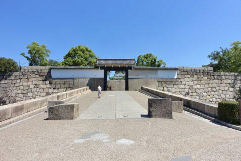 大阪城の門
