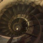 パリ【凱旋門】展望台へ行く階段は何段あるの?登って数えてみた