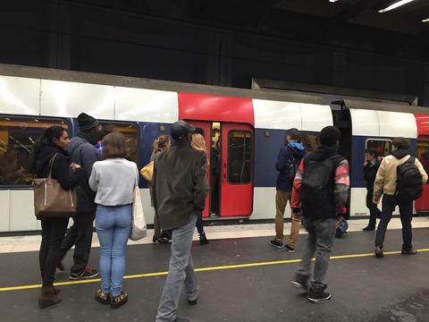 臭い・汚い・暗い パリの地下鉄 (3)