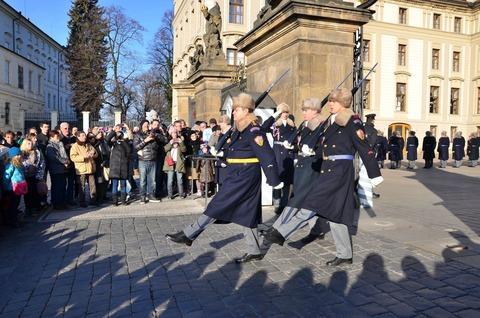プラハ城「衛兵の交代式」 (9)