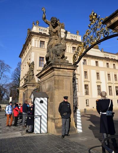 プラハ城「衛兵の交代式」 (5)