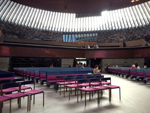 テンペリアウキオ教会 (2)