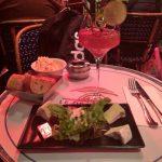 パリ・シャンゼリゼ通りで日本語メニュー有りのレストラン「LE DEAUVULLE」は美味しいか?