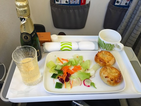 Finnair Businessclass Warszawa 機内食 (2)